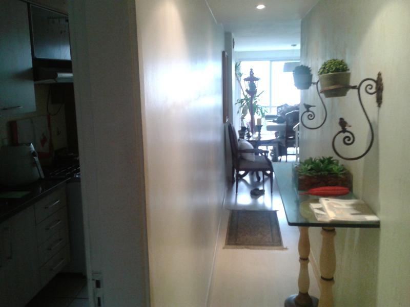 corredor de entrada social do apartamento