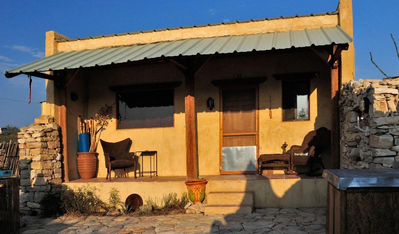 Secluded Desert Hideaway
