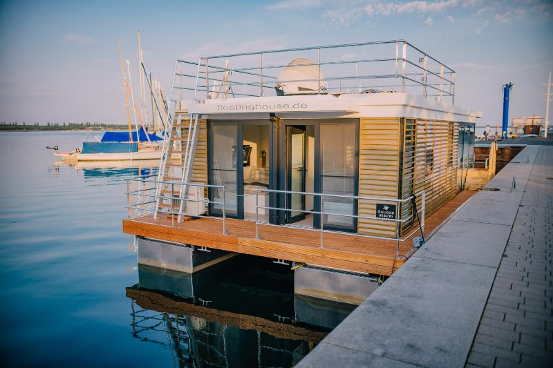 House boat rear view