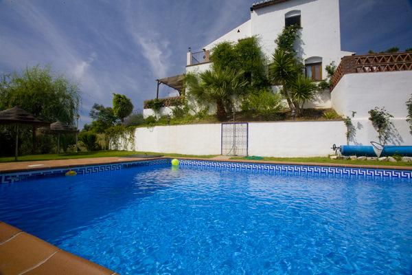 Frigiliana Villa :16 pp. Sea . Pool. Wifi. BBC, A.A.Tennis table., vacation rental in Frigiliana