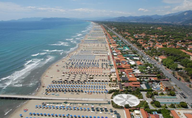 Viareggio beach clubs