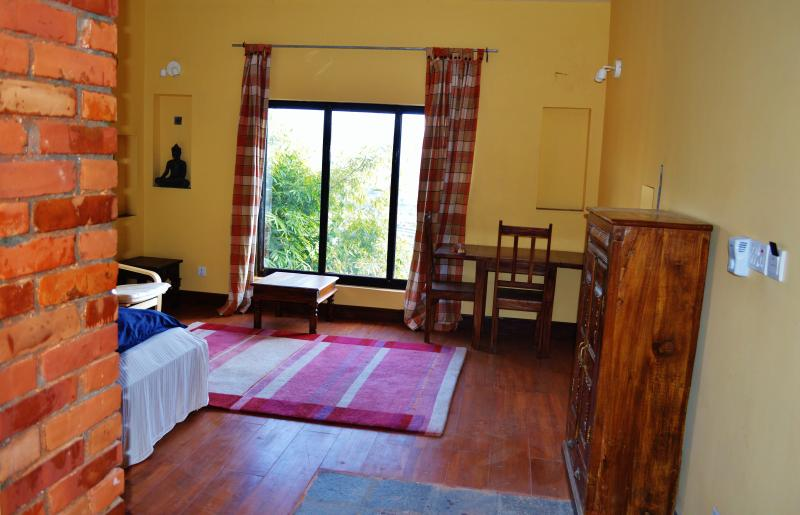 Big one bedroom apartment at Hotel Swiss Family, holiday rental in Dakshinkali