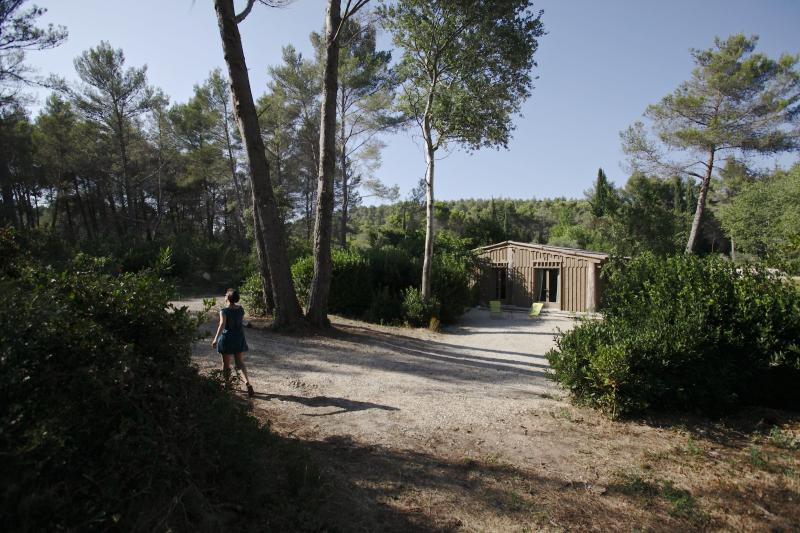 Au coeur de la nature un lieu calme et préservé une cabane très confortable ouvert toute l'année