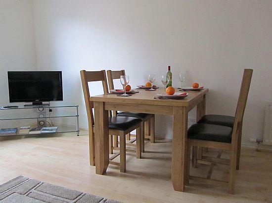 Sala da pranzo nel salone.
