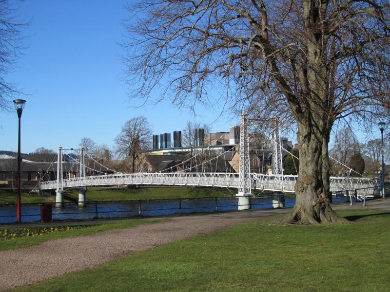 The apartment is close to the suspension bridge and Eden Court theatre.