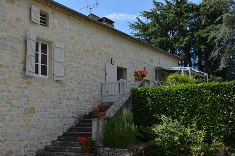 Maison quercynoise de 1845 bien renovée et confortable, idéal famille et amis, holiday rental in Nuzejouls