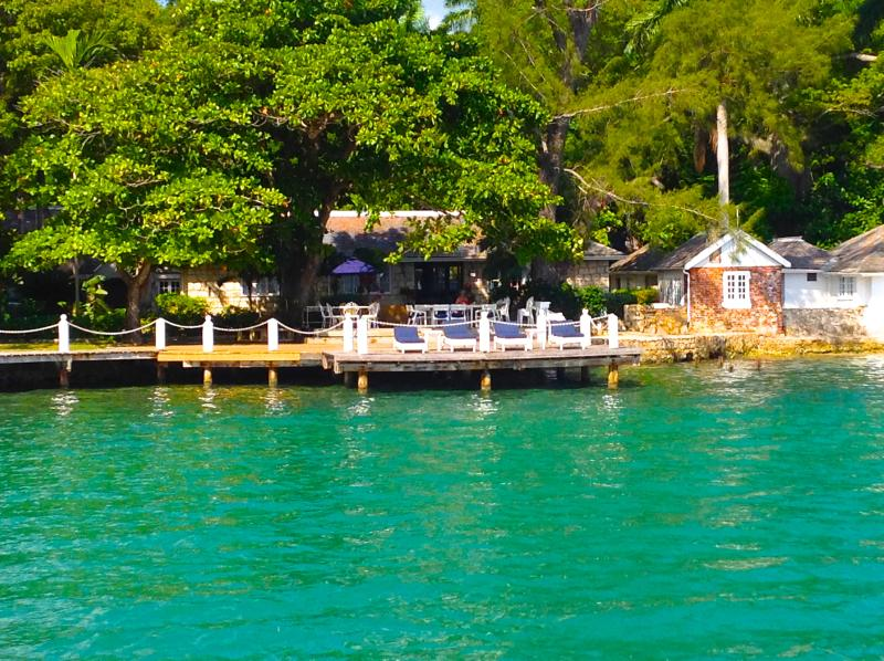The Wharf House - Old World Charm By The Sea – semesterbostad i Montego Bay