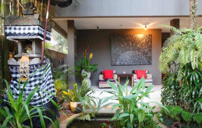 Famous designer villa in artist village - 5 bdr, holiday rental in Sayan