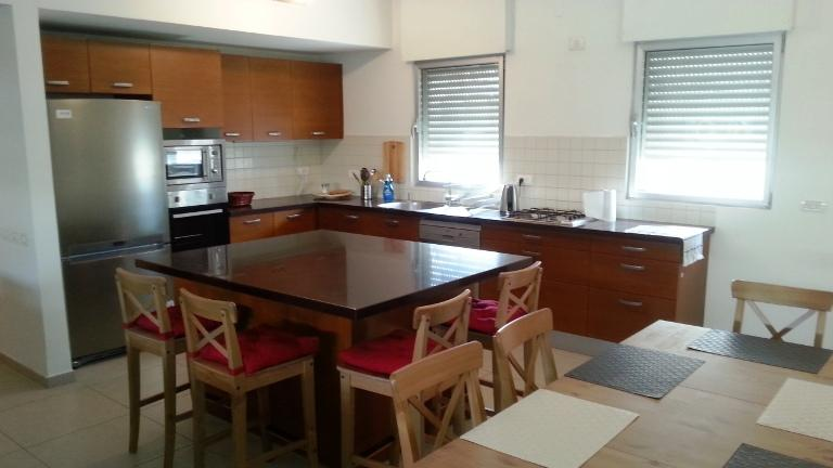 Vacation Rental with Spacious Kitchen and Living Space, Close to the Sea and Tel Aviv Attractions