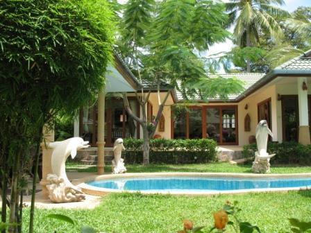 garden and pool 3 bed room villa