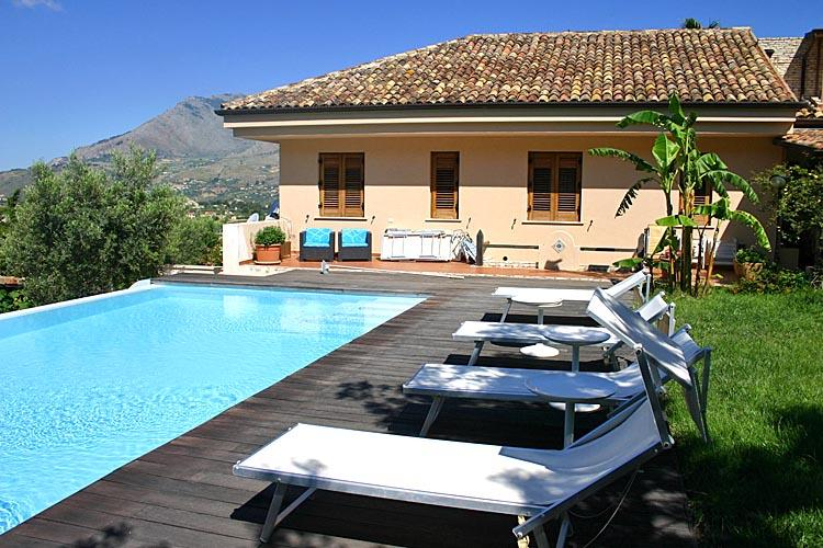 Villa Sogni d oro I like in paradise, holiday rental in Castellammare del Golfo