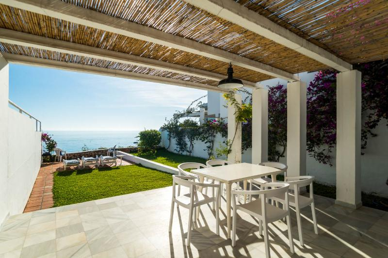 Villa 1. CarabeoVillas, holiday rental in Nerja