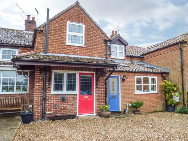CAMERON'S COTTAGE, WiFi, garden, off road parking, Swaffham, Ref 931499, location de vacances à Ovington