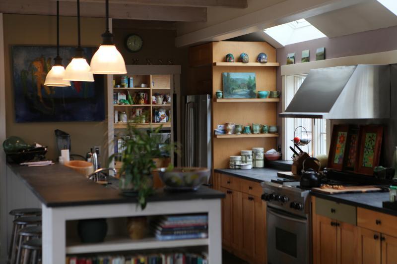 Unique and Spacious East End Artist Home, location de vacances à Provincetown