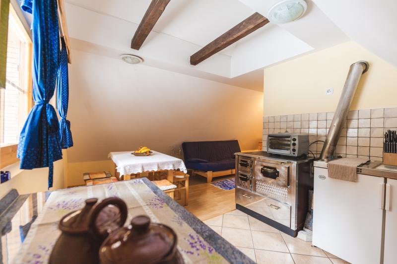 Pohorje Apartment 1 (6 persons), location de vacances à Smarje Pri Jelsah