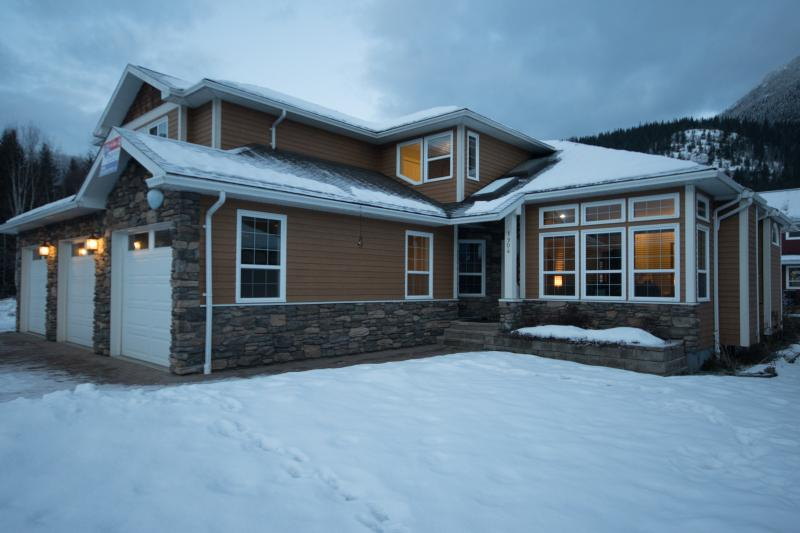 Custom Built Estate Home in Arrow Heights, Revelstoke's most prominent community