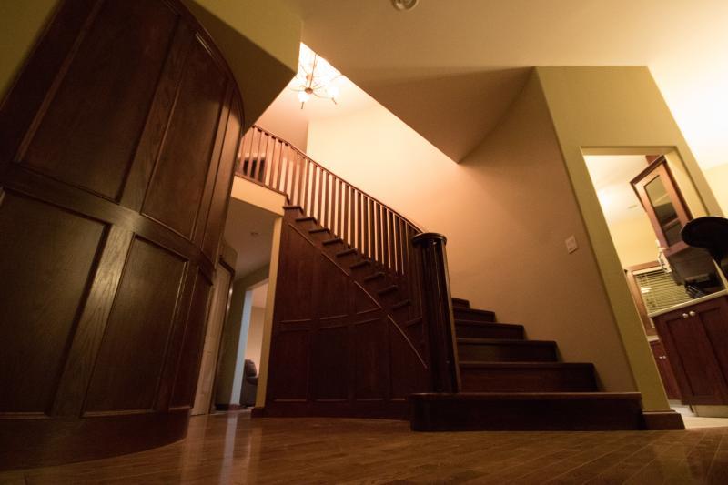 Grand Oak Staircase