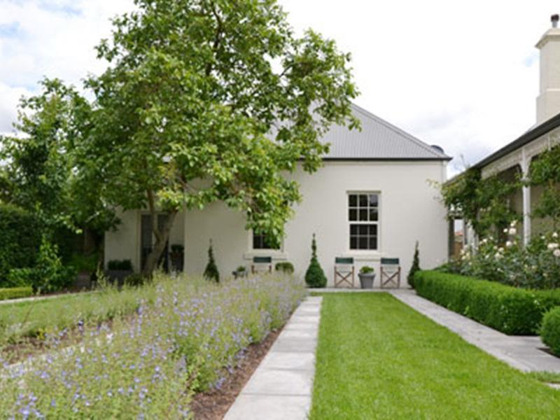 CAMELLIA COTTAGE BED & BREAKFAST, holiday rental in Buninyong