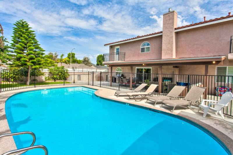 Grand Pool Home for 14+ guests Disney Has Private Outdoor