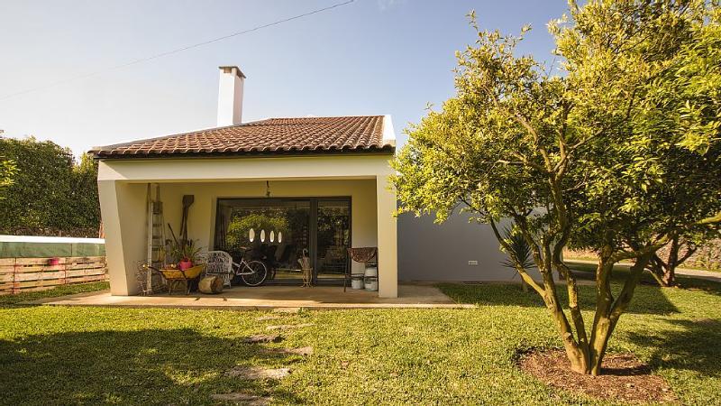 Recanto da Bela Vista/ Full house and garden. Good for family and friends, Ferienwohnung in Rabo de Peixe