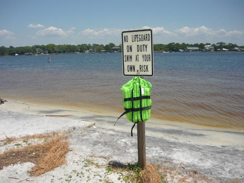 Ross Marler Park Beach is perfect for paddleboard sports. Only 9 minutes by car
