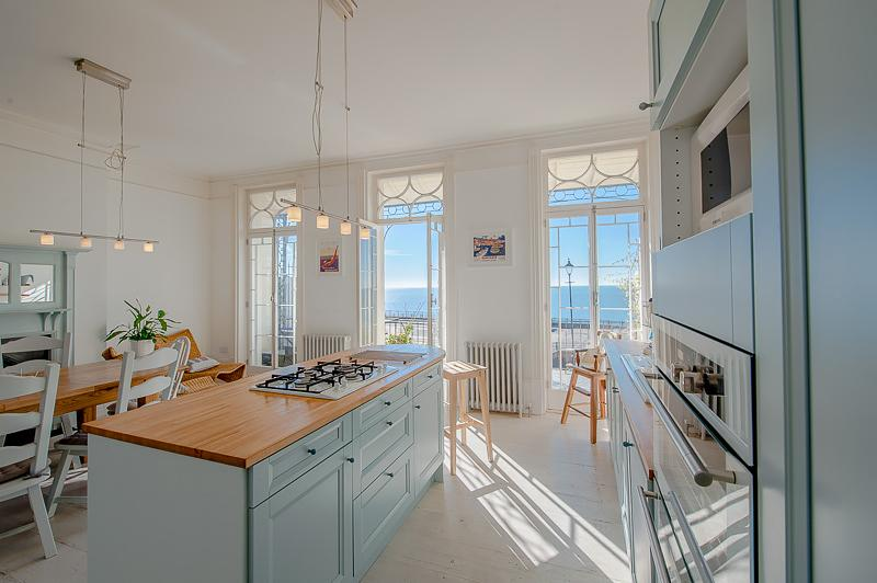 The Wellington- Two bedroom apartment with balcony, vacation rental in Isle of Thanet