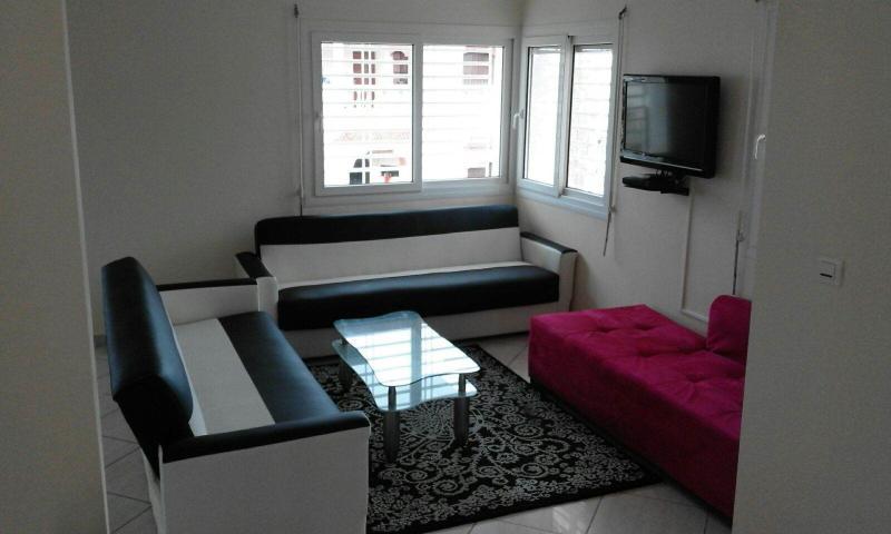 Beach Side 6 Bedrooms Luxurious Villa, location de vacances à Agadir