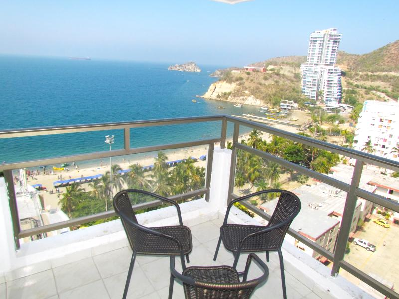 Apartamentos SOHO Basic - Vista al Mar SMR258A, holiday rental in Santa Marta Municipality