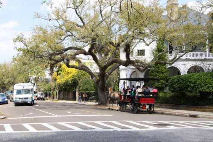 Take Historical Tours on Your Charleston Vacation
