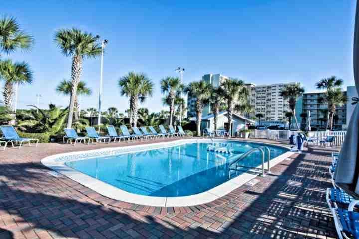 Pinnacle porta Piscina all'aperto - Pinnacle porta ha 2x piscine per gli ospiti di godere! Una piscina è parzialmente chiuso - godere swimmi interno ed esterno
