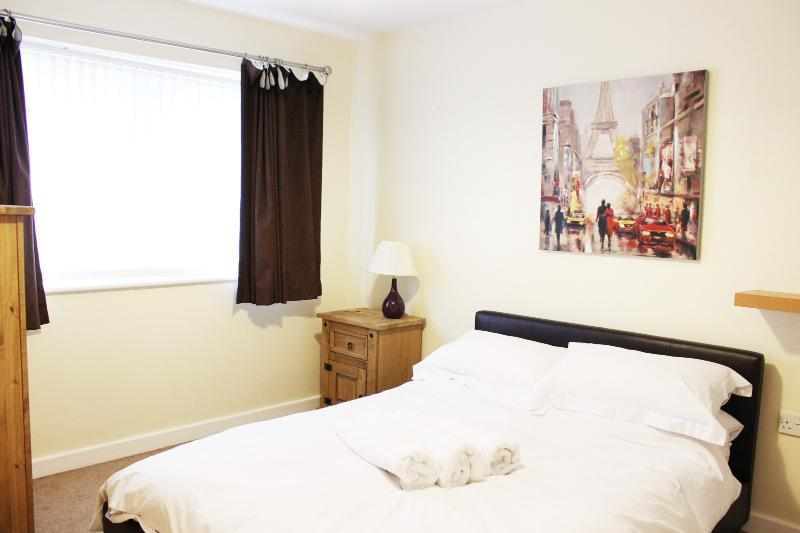Modern, Cosy & Clean Apartment *1 mile from city centre*, vacation rental in Preston