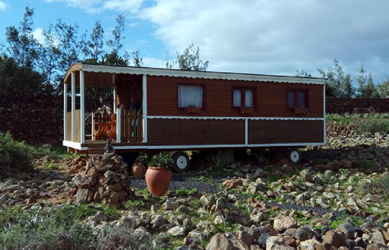 deluxe eco lodge trailer 2 pers wifi.parking