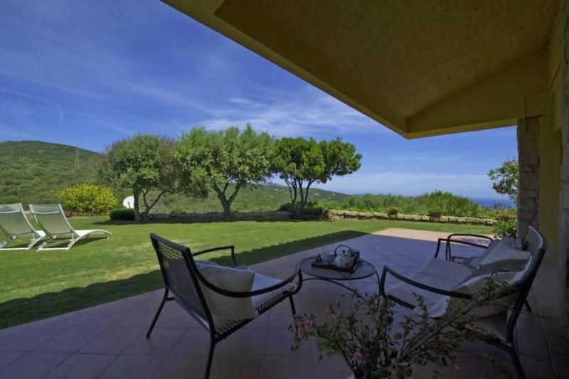 Villa Chris in Costa Smeralda, vacation rental in Cugnana Verde