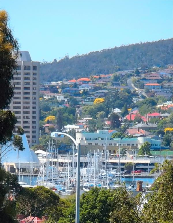 Walk to all of Hobart's central attractions, beaches & the MONA ferry