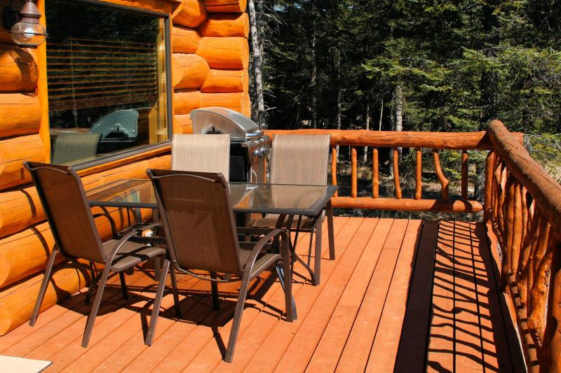 BBQ Deck with Table and Chairs