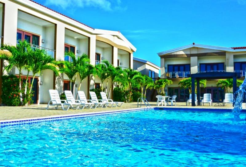 This is the larger of 2 pools at Aruba Breeze.  We are near the smaller, more private, quieter pool.