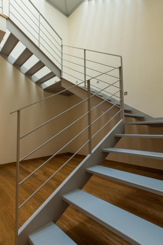 Escada interior de acesso aos quartos de dormir