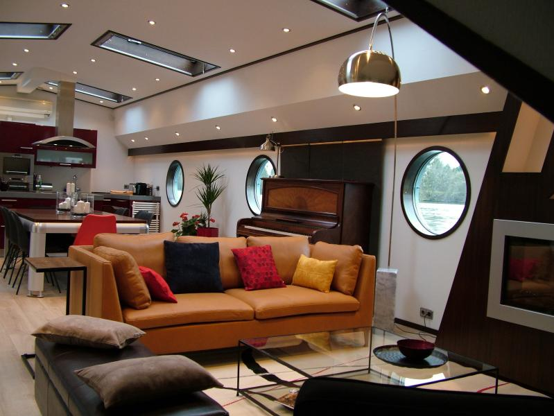Living room of Silence houseboat