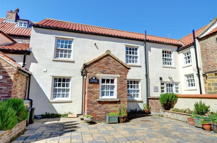 Pegasus Cottage in the Heart of Whitby