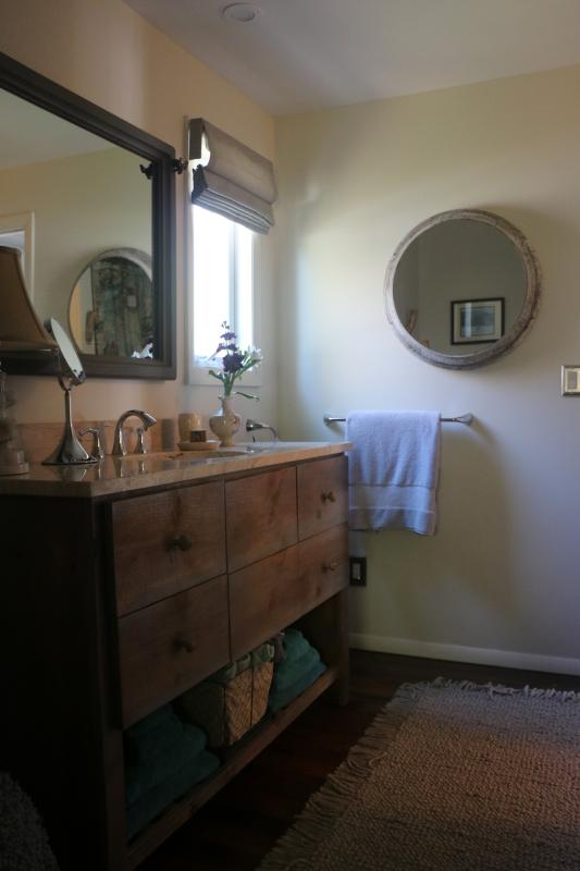 En Suite bathroom to bedroom