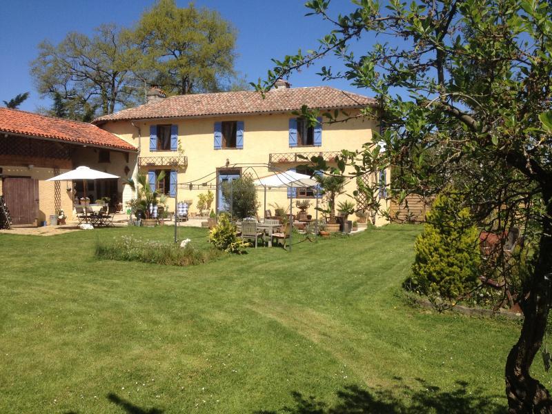 Chambres et Table d'Hôtes Domaine Le Chec, holiday rental in Berdoues
