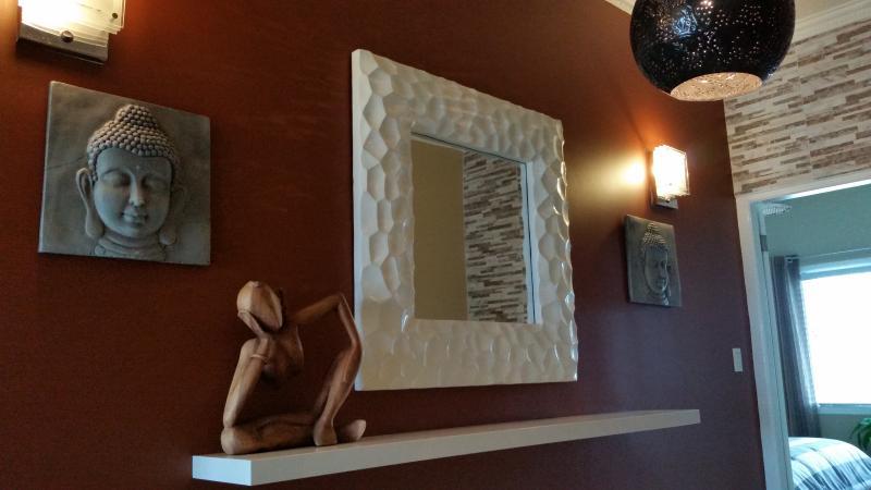 A l'étage Hall d'entrée avec penderie Pendulum Luminaire