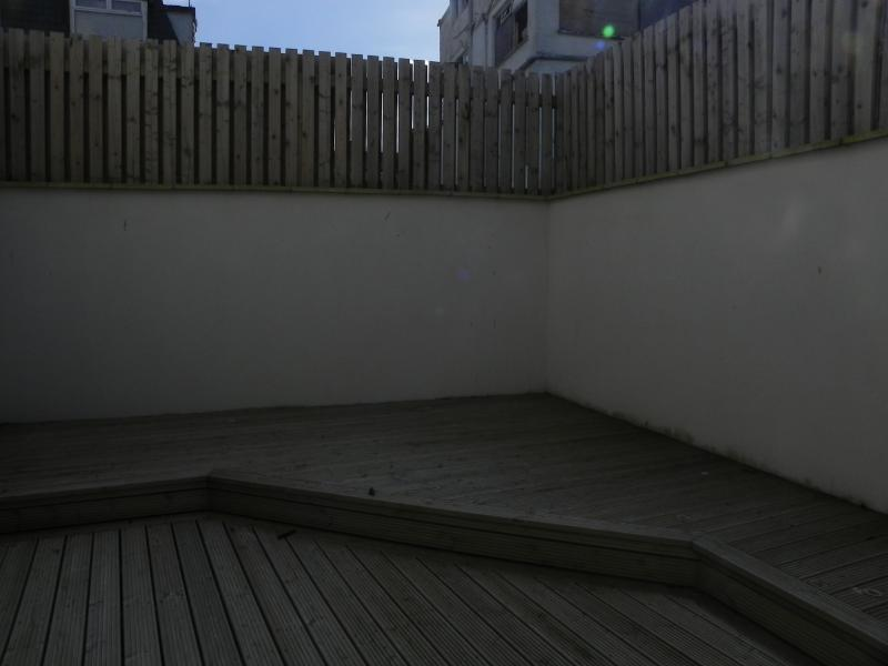 Private fully enclosed patio