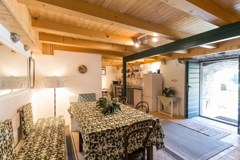 Garden Floor Dining Room and Door to Garden