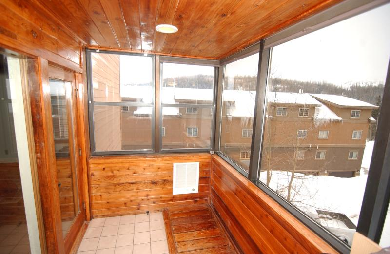 Sun Room (Bedroom #3) adjacent to Master Bedroom #1.  Panoramic 180 degree views of Giant Steps.