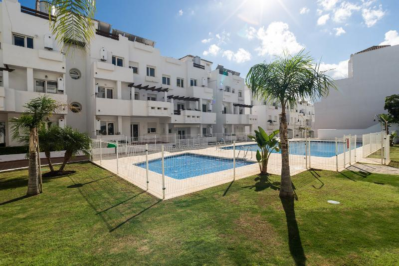 Valle Romano Estepona Golf 2H - 2B - Wifi + Parking Incluido, location de vacances à Estepona