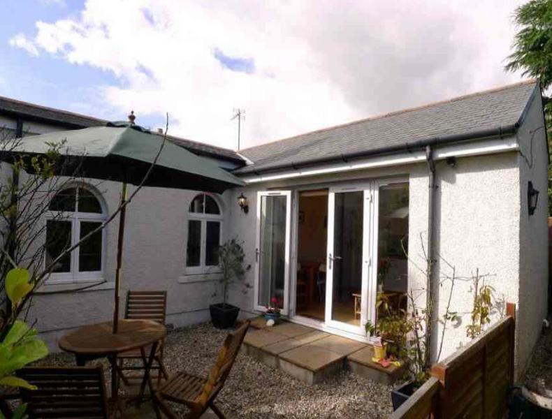 Helena Cottage, holiday rental in Leven