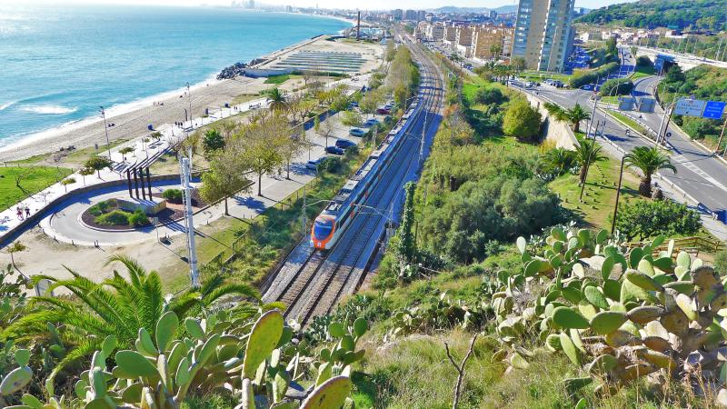 by local train to the center of Barcelona within 20 minutes !