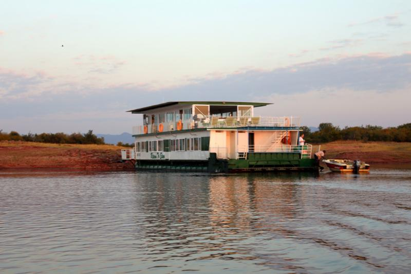 Return to Eden houseboat on Lake Kariba, holiday rental in Mashonaland West Province