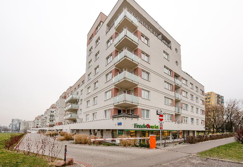 1 BR. Apartment Ursynów, location de vacances à Jozefow